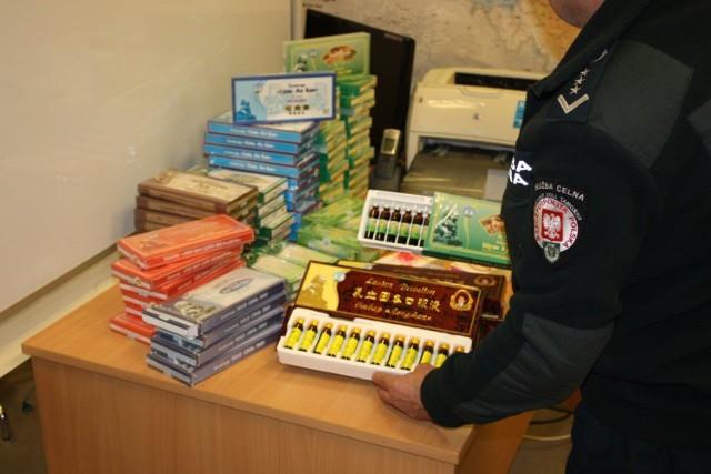 Rosyjska konduktorka próbowała przemycić leki z Chin.