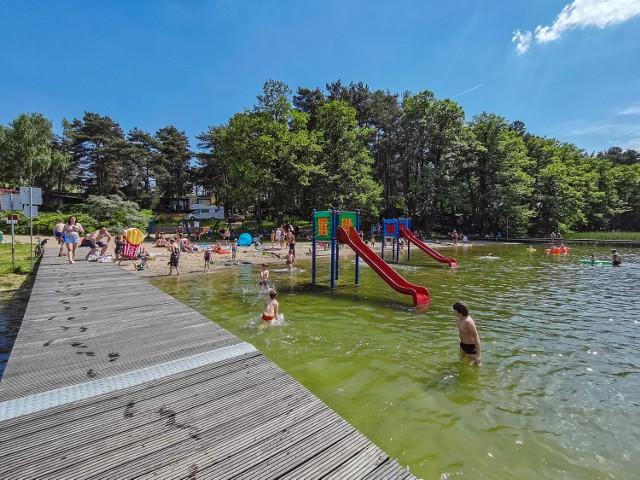 Nad jeziorem w Chojnie sezon kąpielowy w pełni!