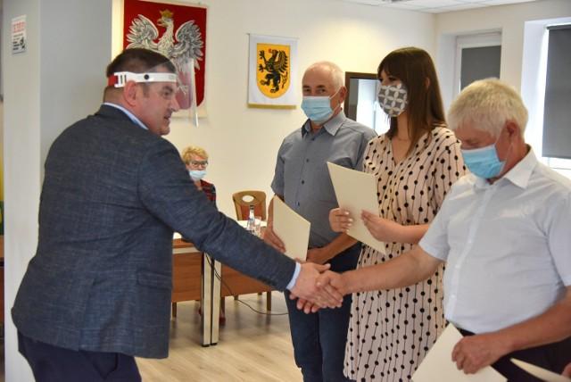 Najpiękniejsza Wieś w gminie Krokowa (2020) to Sławoszyno. Sołtys Karolina Majcher odebrała gratulacje. Na podium Żarnowiec, Minkowice