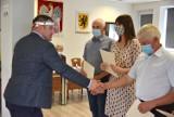 Najpiękniejsza Wieś w gminie Krokowa (2020) to Sławoszyno. Sołtys Karolina Majcher odebrała gratulacje. Na podium Żarnowiec, Minkowice   FOT