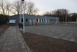 Zawodnicy LKS Tęcza Kraśnik mają już nowe szatnie. Modernizacja budynków na stadionie dobiegła końca. Zobacz zdjęcia