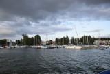 Co pływa po Jeziorze Charzykowskim? Łódki, jachty, statki, rowery wodne, motorówki. Zdjęcia