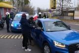 Marsz Niepodległości w Katowicach. Policja kontroluje auta z flagami [ZDJĘCIA]