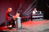 """Pamiętacie """"Śpiewające fortepiany""""? Artyści słynnego programu muzycznego wystąpili w Bolszewie [ZDJĘCIA]"""