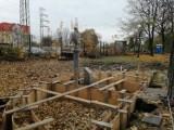 Na skwerze Rybka w NIkiszowcu trwa budowa fontanny ZDJĘCIA