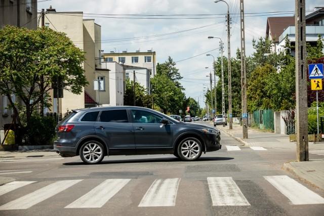 Mieszkaniec ulicy Cichej w Bydgoszczy walczy z miastem od dwóch lat o wykup... 30 m kw. trawnika