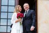 Ślub Jacka Kurskiego i Joanny Klimek po rozwodach kościelnych. Katoliccy publicyści ostro krytykują Kościół i TVP