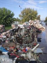 Pożar śmieci na naczepie ciągnika siodłowego na ulicy Pułaskiego w Radomiu [ZDJĘCIA]
