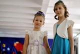 """""""Mama i ja"""". Pokaz fryzur dziecięcych w Szkole ZDZ przy ul. Królewskiej (ZDJĘCIA)"""