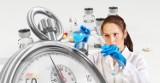 Po problemach AstraZeneca zmienia nazwę swojej szczepionki. Teraz nazywa się Vaxzevria