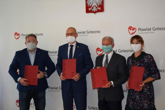 W czwartek, 13 sierpnia odbyło się spotkanie przedstawicieli samorządów, na którym podpisano porozumienie w sprawie podziału środków z dotacji. W Gnieźnie i okolicach będą nowe drogi rowerowe!
