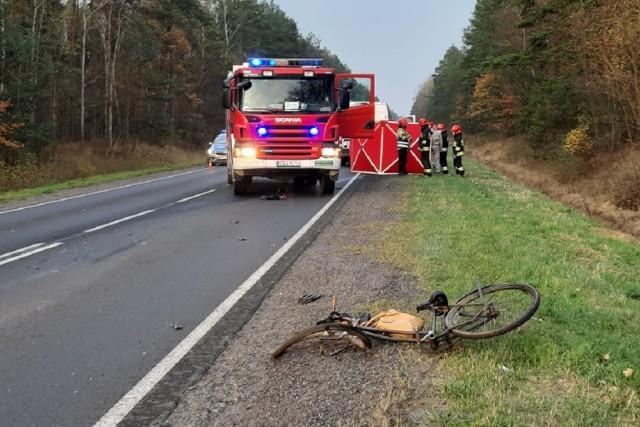 Śmiertelny wypadek na DK 91 w okolicach Radomska. Nie żyje potrącona rowerzystka