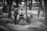Cmentarz na Górnym. Owiany smutkiem i tajemnicą w fotografiach Daniela Cichego [ZDJĘCIA]