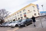 Na osiedlach Szybowników i na Bajce w Bydgoszczy chodzą oszuści udający współpracę ze spółdzielnią. Oferują przeglądy gazowe i wymianę drzwi