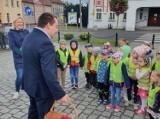 """Gostyń. Dzieci z grupy """"Słoneczka"""" z Przedszkola Miejskiego nr 2 odwiedziły burmistrza Gostynia [ZDJĘCIA]"""