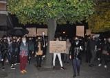 """,,Łapy precz"""". Pleszewianki protestowały przeciwko orzeczeniu Trybunału Konstytucyjnego"""