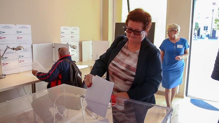 Hanna Pruchniewska wygrywa wybory samorządowe w Pucku