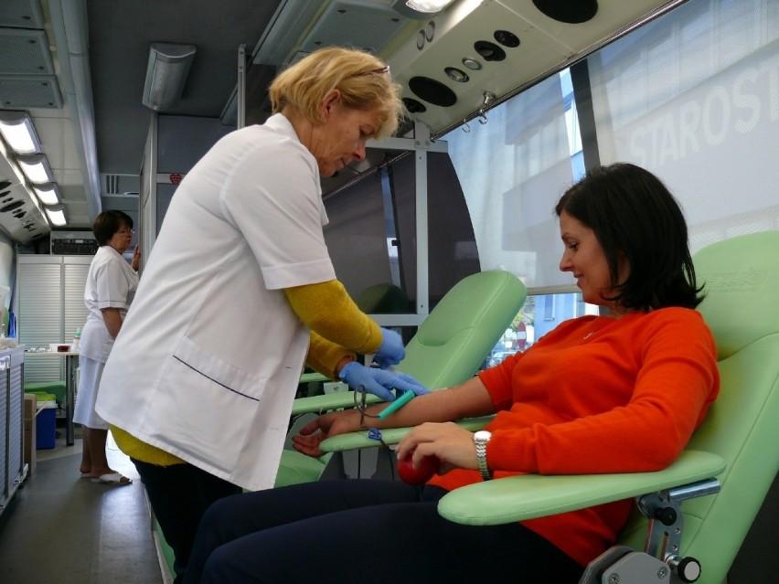 Punkty krwiodawstwa czekają na chętnych, którzy chcą oddać...