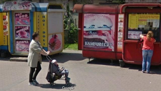 Zduńska Wola i mieszkańcy na Google Street View. Kogo przyłapała kamera w centrum miasta?