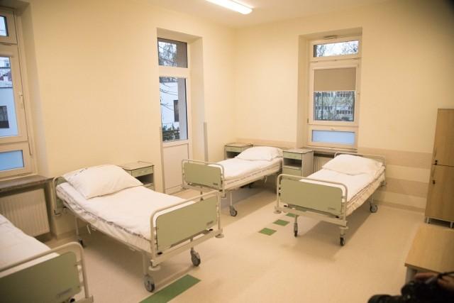 Wolskie Centrum Zdrowia Psychicznego ma nową siedzibę. 3 grudnia oficjalnie przeniesiono je do pawilonu 5. Szpitala Wolskiego. Oznacza to lepsze warunki pracy dla personelu i przede wszystkim lepsze warunki terapii dla pacjentów.