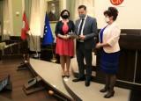 Monika Kowalczyk z Koalicji Obywatelskiej i Bożena Sieczka z Lewicy nowymi radnymi Rady Miasta Kielce