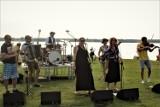 Koncert z jeziorem w tle - Plaża miejska Łazienki Zbąszyń. Kapela Ziele - 15.08.2021 [Zdjęcia]