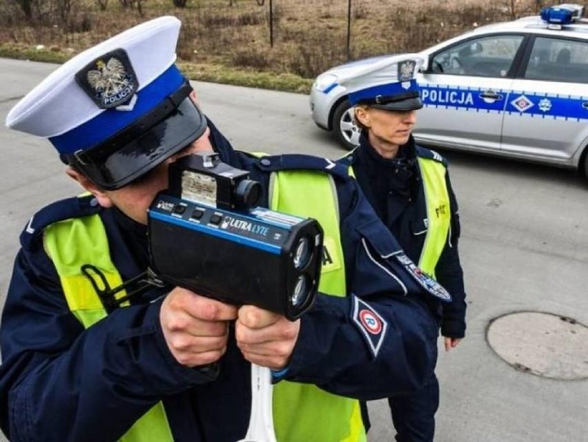 Weekendowa akcja drogówki w Warszawie. Policja zatrzymuje i sprawdza kierowców