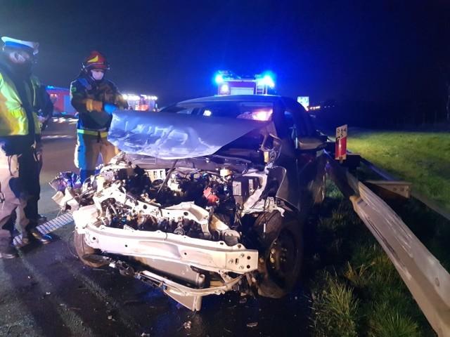 Wypadek samochodów na autostradzie A4