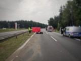 Romanów koło Częstochowy. Wypadek na DK1 w Romanowie. Nie żyje motocyklista. Droga zablokowana, wyznaczono objazdy