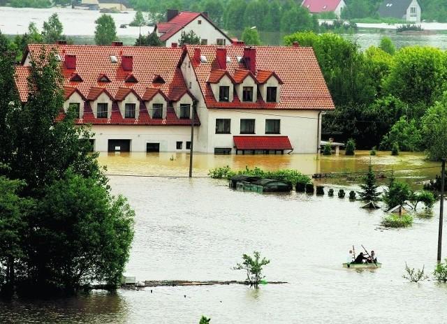 Na Dolnym Śląsku pod wodą znalazło się kilkaset domów. Na zdjęciu Jelcz-Laskowice