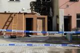 Podpalenie kamienicy w Tczewie. W pożarze zginęli 2-letnie dziecko i emeryt. Zapadł wyrok w bulwersującej sprawie