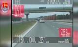 Pędził ponad 225 km/h na nowym odcinku autostrady A2. Odmówił przyjęcia mandatu. ''Jeśli nie jest możliwe pouczenie, to spróbuję w sądzie''