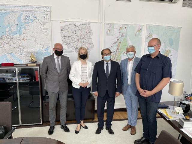 Spotkanie robocze w Warszawie w Ministerstwie Infrastruktury. Ratowanie zniszczonych Jazów na rzece Obrze Perzyny i Rybojady - 15.07.2021