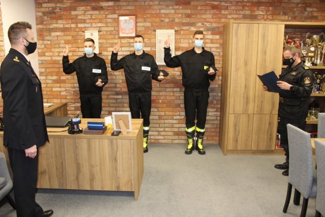 Trzech nowych strażaków pełnić będzie służbę w świeckiej straży pożarnej