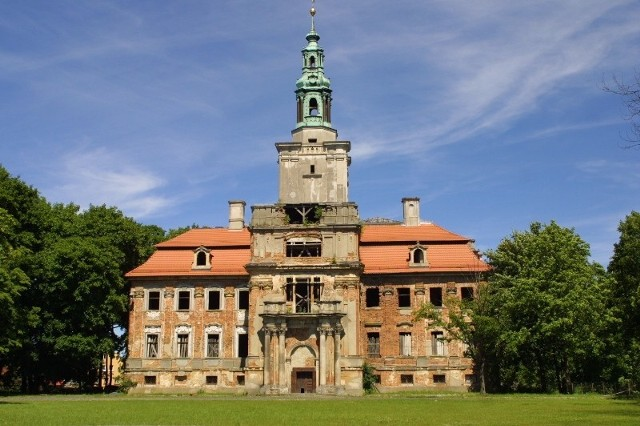 Chocianów, pałac z lat 1728-1732, zbudowany w miejscu zamku z XIV w.