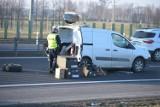 Wypadek na A1 przy węźle Warlubie. Koszykarki z Bydgoszczy były świadkami. Trener i fizjoterapeuta zespołu ratowali ofiarę [zdjęcia]
