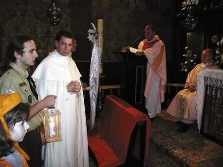 Światło z Betlejem dotarło wczoraj do Kaplicy Cudownego Obrazu.