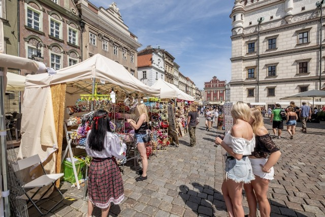 Od niedawna w Poznaniu pojawia się coraz więcej imprez, w których można wziąć udział z zachowaniem środków ostrożności. Weekend to idealny czas na odpoczynek i dobrą zabawę poza domem.  Przejdź do galerii i sprawdź nasze propozycje --->