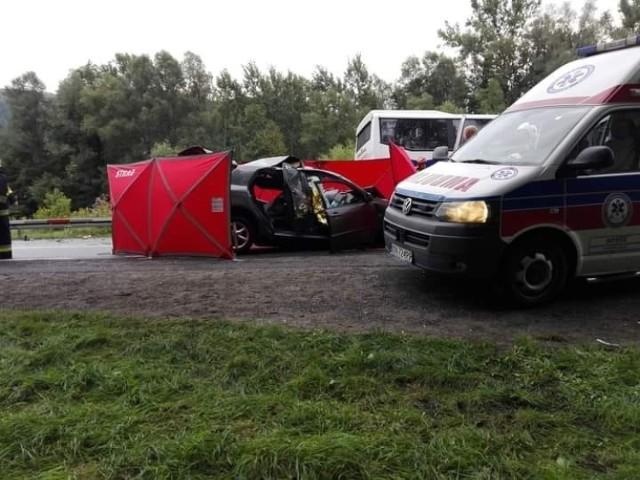 Śmiertelny wypadek na drodze krajowej nr 75 w Witowicach Górnych. Nie żyją dwie osoby