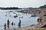 Wakacje 2021. Gdzie bezpiecznie mogą popływać mieszkańcy Wielunia i okolic? Zobaczcie przewodnik po strzeżonych kąpieliskach ZDJĘCIA