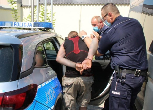 39-latek zatrzymany za włamanie do sklepu spożywczego.