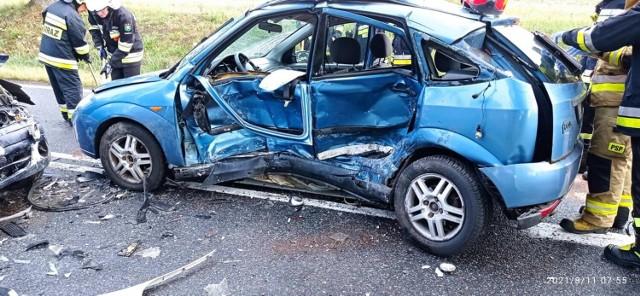 W środę rano na drodze krajowej 22 w Chrząstowie – między Człuchowem a Barkowem - zderzyły się dwa samochody osobowe