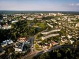 Małe mieszkania na sprzedaż w Starachowicach. Ile metrów mają i ile kosztują? Zobacz wybrane oferty (ZDJĘCIA)