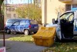 Głogów: Policyjny pościg za skradzionym autem. Złodziej rozbił się na drzewie