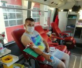 Pruszcz Gdański. Mundurowi i mieszkańcy oddawali krew podczas zbiórki w krwiobusie