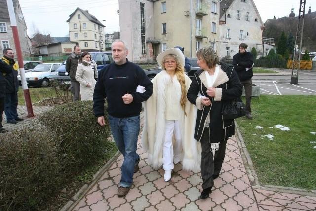 Opiekunka artystki Elżbieta Budzyńska zapewnia, że nie chciała wykraść ciała Villas