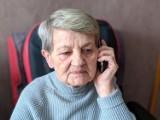 """Jak zarejestrować się na szczepienie? """"To bardzo proste"""" - mówi nam 82-letnia Janina"""