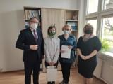 Piotr Uherek laureatem Konkursu Prawda i kłamstwo o Katyniu. Sukcesu pogratulował mu poseł Andrzej Gawron