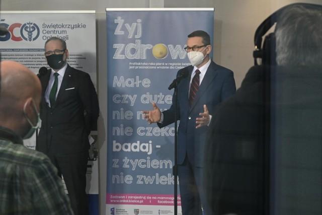 Jak informuje money.pl, konferencja prasowa nt. przedłużenia obostrzeń ma się odbyć w środę po zakończeniu posiedzenia Rządowego Zespołu Zarządzania Kryzysowego. Wówczas dowiemy się, jakie zasady będą obowiązywać po 18. kwietnia. Nieoficjalnie wiadomo jednak, że większość restrykcji zostanie utrzymana.  ----->