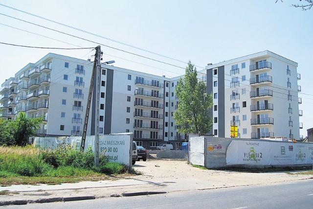 W 2007 roku w Łodzi wydano ponad 4 tys. pozwoleń na budowę. Teraz inwestycje dobiegają końca. Na zdjęciu blok przy ul. Milionowej.